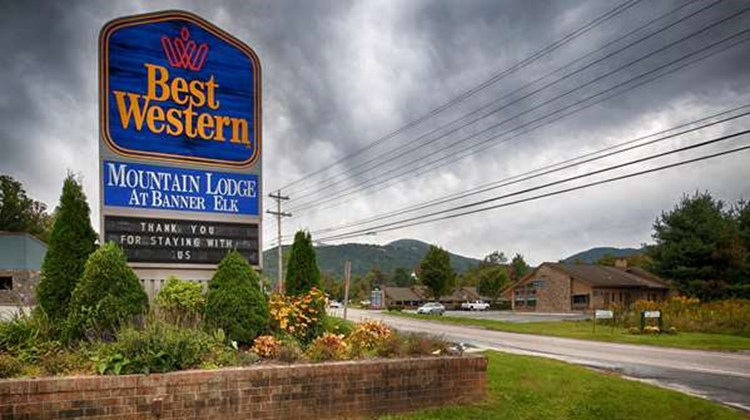 Best Western Mountain Lodge Exterior