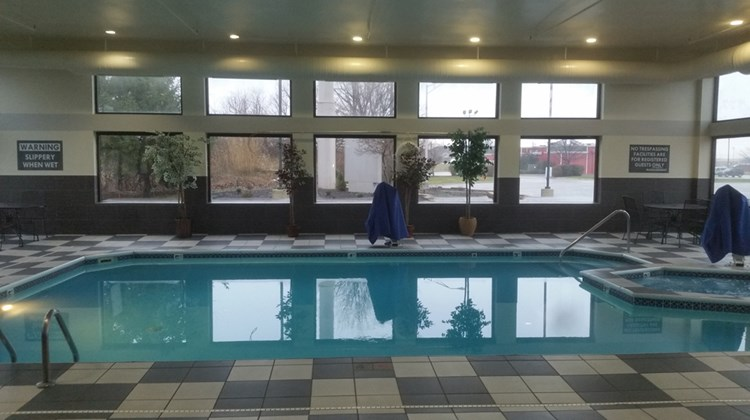 Best Western Suites Pool