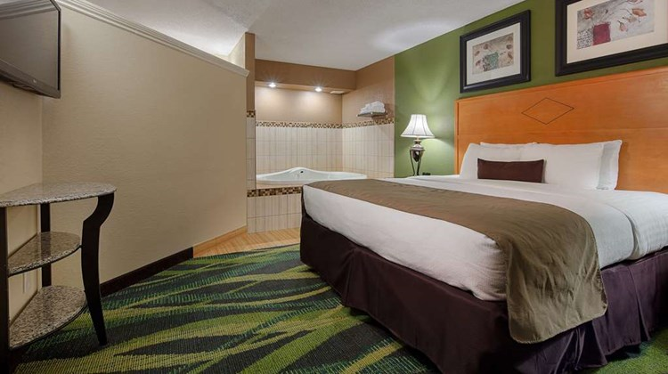 Best Western Plus Philadelphia/Bensalem Suite