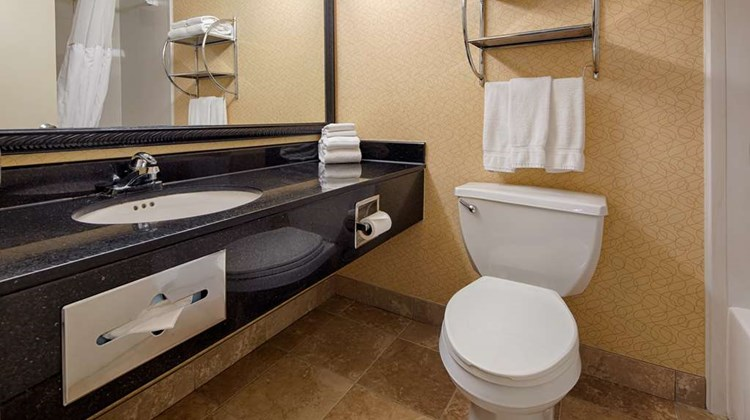 Best Western Plus Philadelphia/Bensalem Room