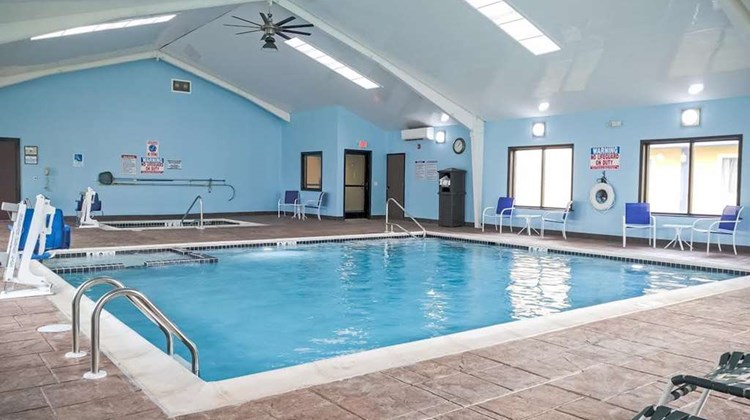 Best Western Plus Philadelphia/Bensalem Pool