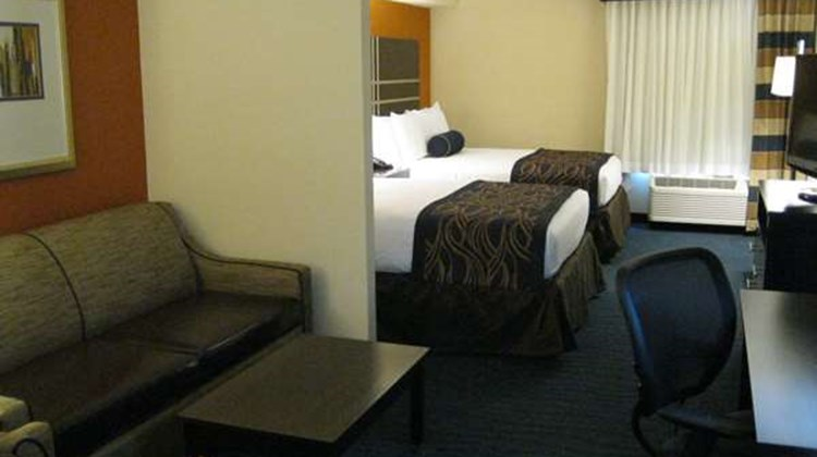 Best Western Plus Columbia North East Suite