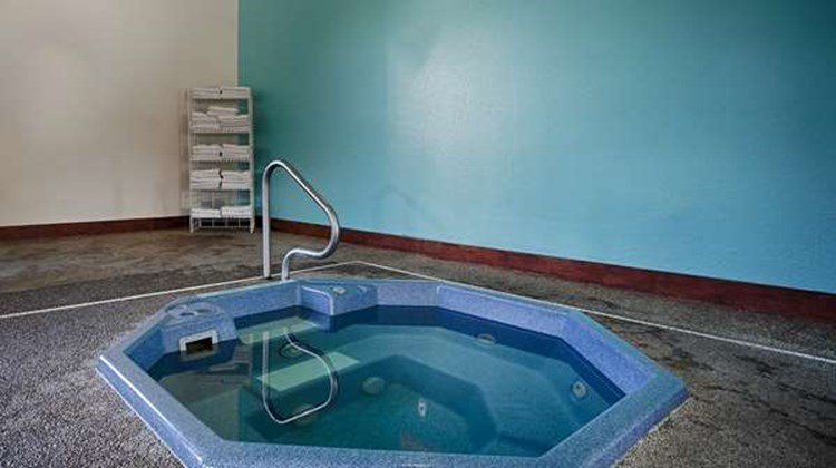 Best Western Buffalo Ridge Inn Pool