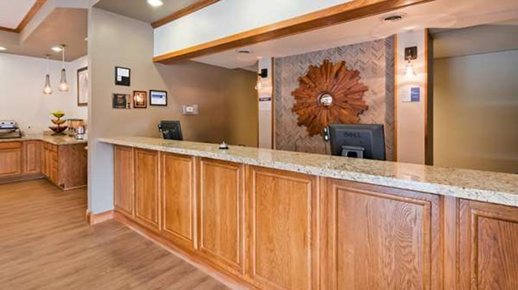 Best Western Buffalo Ridge Inn Lobby