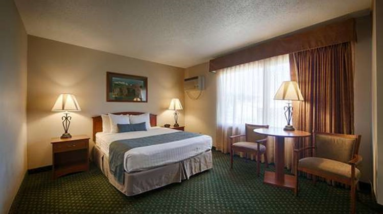 Best Western Buffalo Ridge Inn Room