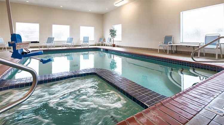 Best Western Palace Inn & Suites Pool