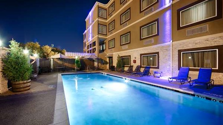 Best Western Plus Arlington North Hotel Pool