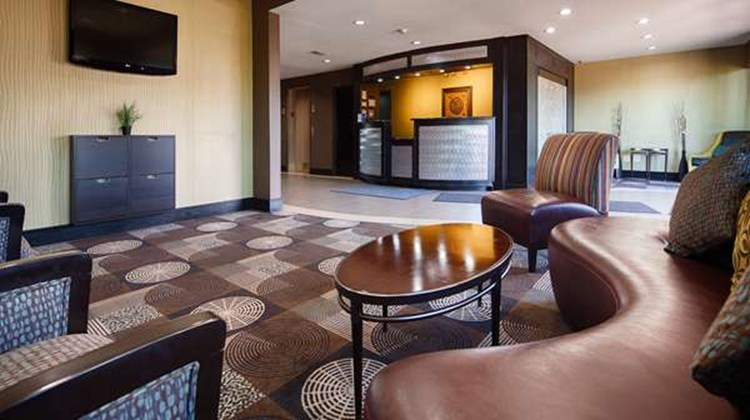 Best Western Plus Arlington North Hotel Lobby
