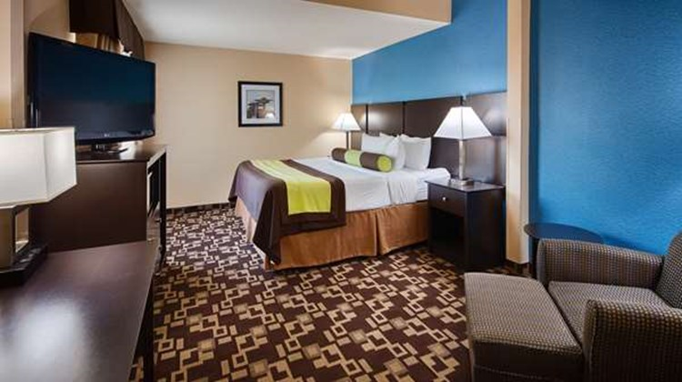 Best Western Plus Arlington North Hotel Room