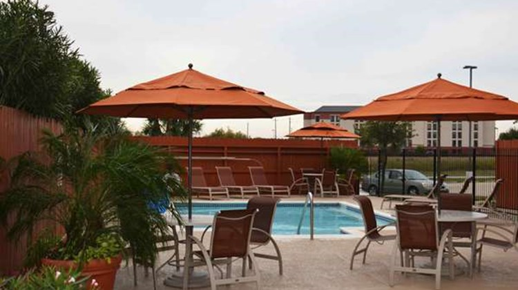 Best Western Plus Hobby Arpt Inn & Stes Pool