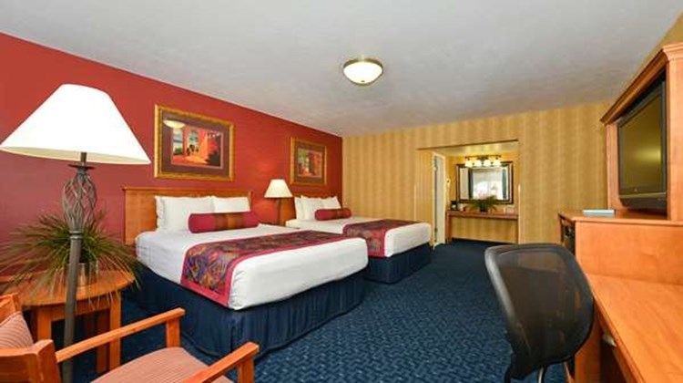 Best Western Travel Inn Room