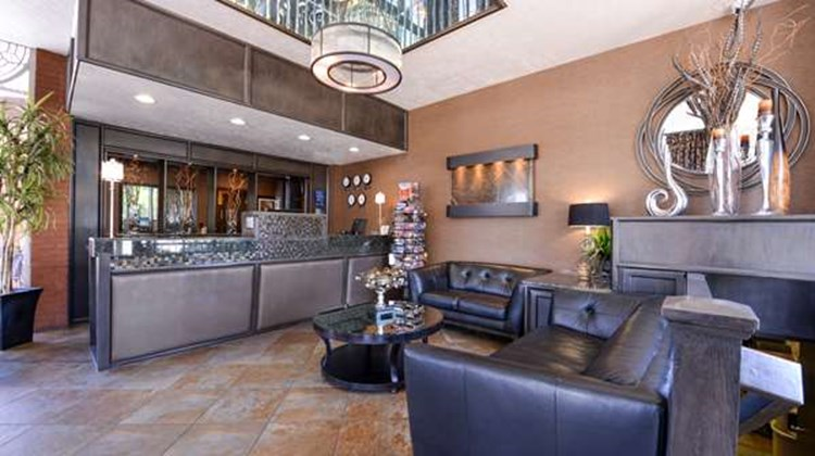 Best Western Coral Hills Lobby