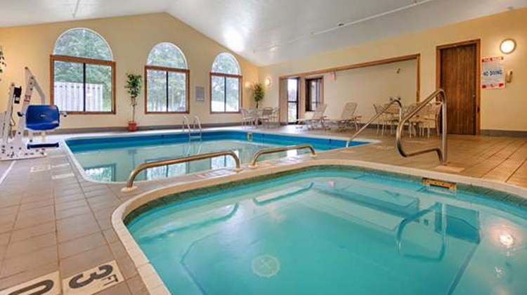 Best Western Plaza Hotel Saugatuck Pool
