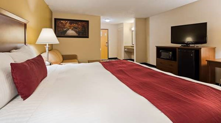 Best Western Plus Albert Lea I-90 Hotel Room