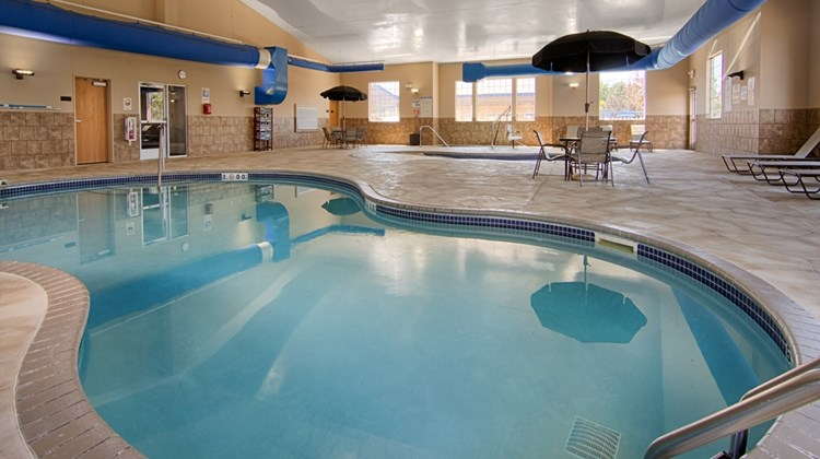 Best Western Plus Blaine, Natl Sports Ct Pool