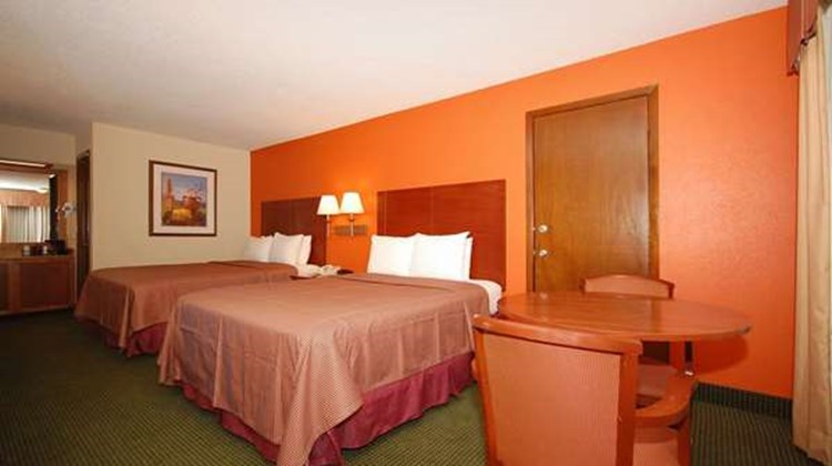 Best Western Montis Inn Room