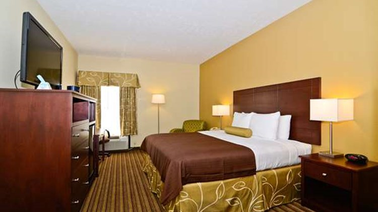 Best Western Plus Springfield Airprt Inn Room