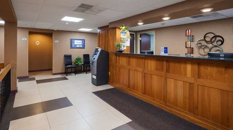 Best Western Burlington Inn Lobby