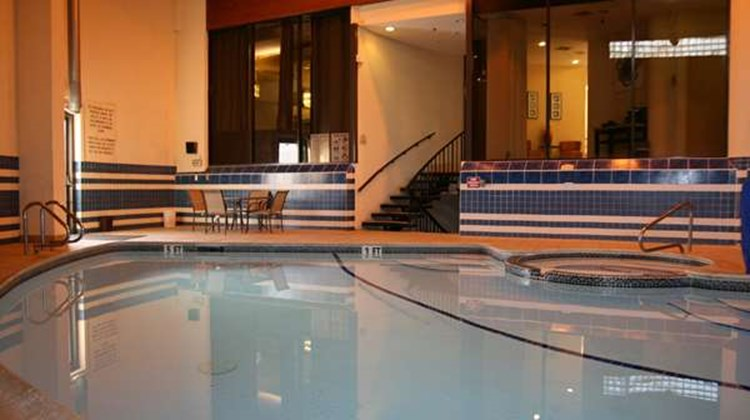 Best Western Bordentown Inn Pool