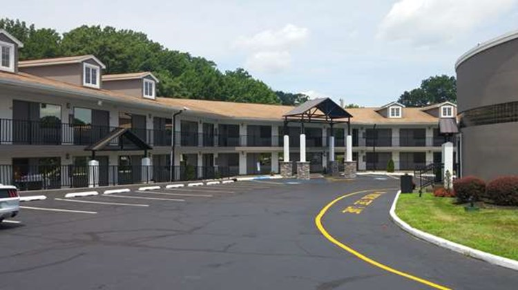 Best Western Bordentown Inn Exterior