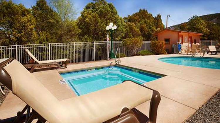 Best Western Pine Springs Inn Pool