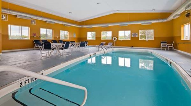 Best Western New Baltimore Inn Pool
