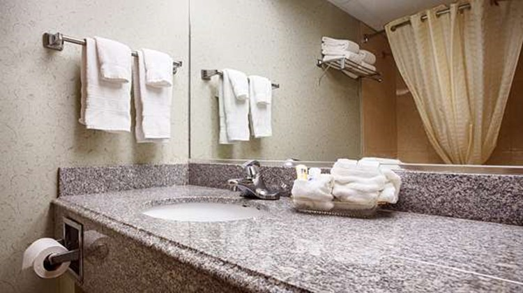 Best Western Crown Inn & Suites Room
