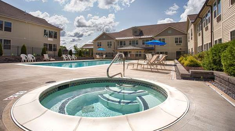Best Western Plus Saratoga Springs Pool