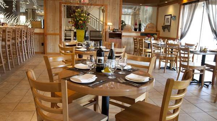 Best Western Mill River Manor Restaurant