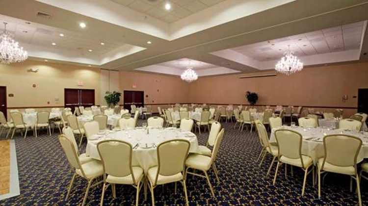 Best Western Plus Ticonderoga Inn & Stes Room
