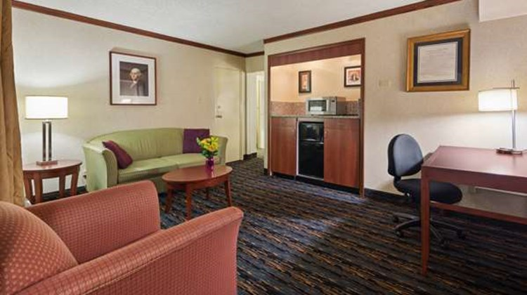 Best Western Fairfax Suite