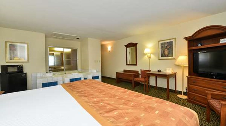 Best Western Wytheville Inn Room