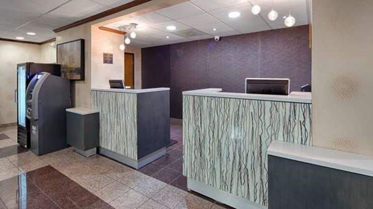 Best Western Plus Richmond Airport Hotel Lobby