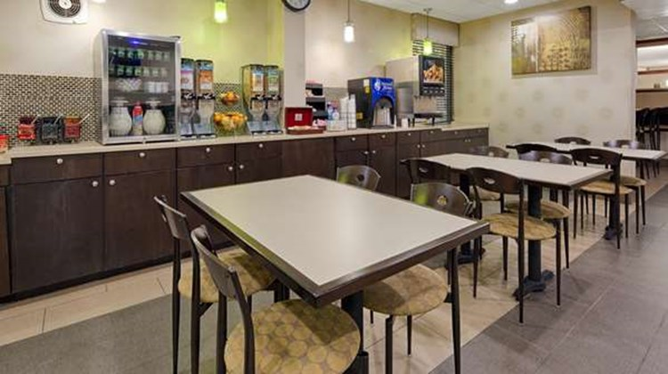 Best Western Plus Richmond Airport Hotel Restaurant