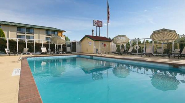 Best Western Plus Skagit Valley Inn Pool