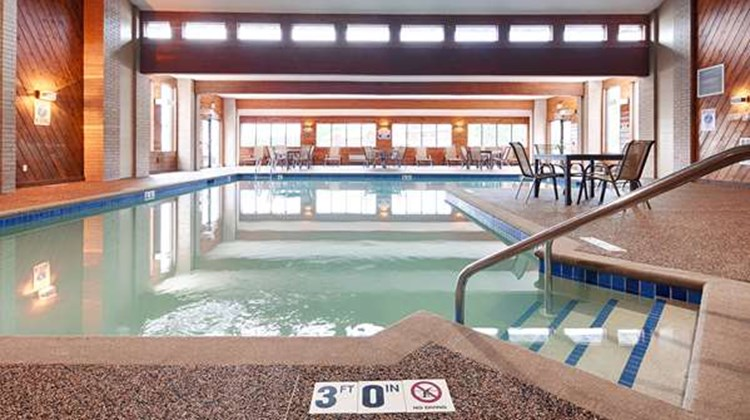 Best Western Ambassador Inn & Suites Pool