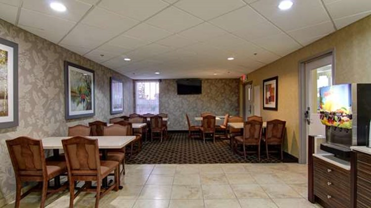 Best Western Plus Bowmanville Restaurant