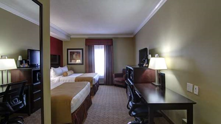 Best Western Plus Bowmanville Room