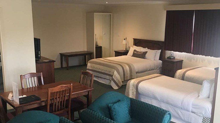 Best Western Crystal Inn Room