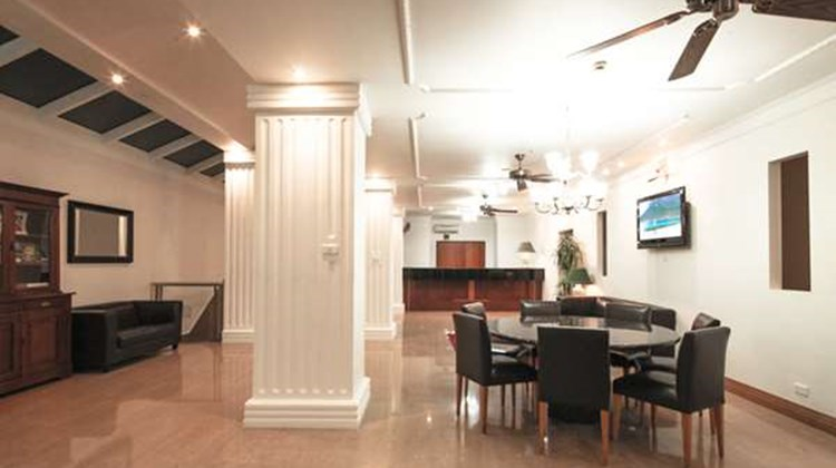 Best Western Astor Metropole & Apartment Lobby
