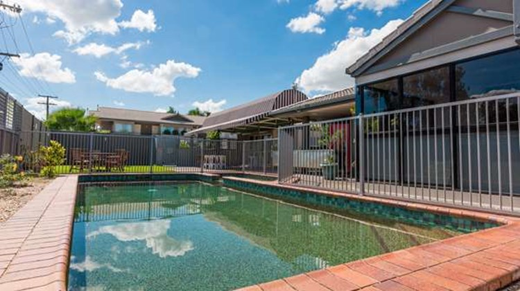 Best Western The Stirling Rockhampton Pool