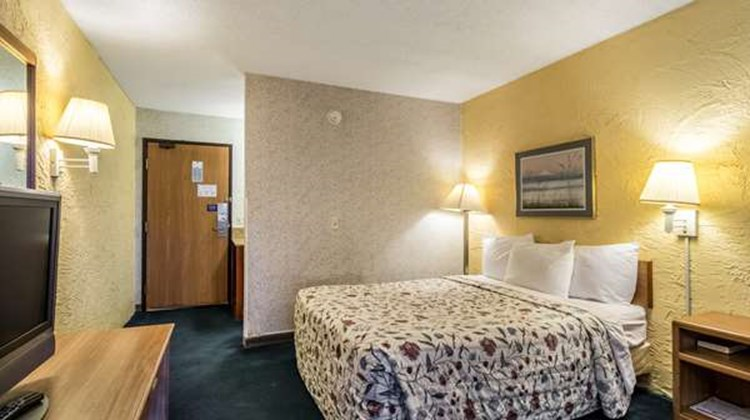 Motel 6 Elk Grove Village Room