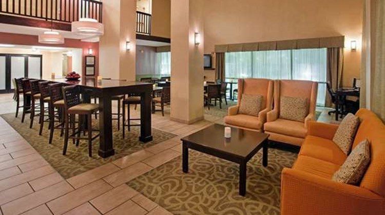 Hampton Inn West Lobby