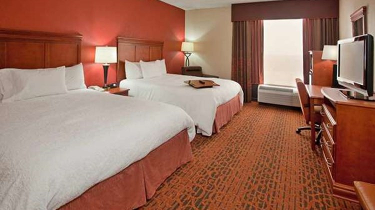 Hampton Inn West Room