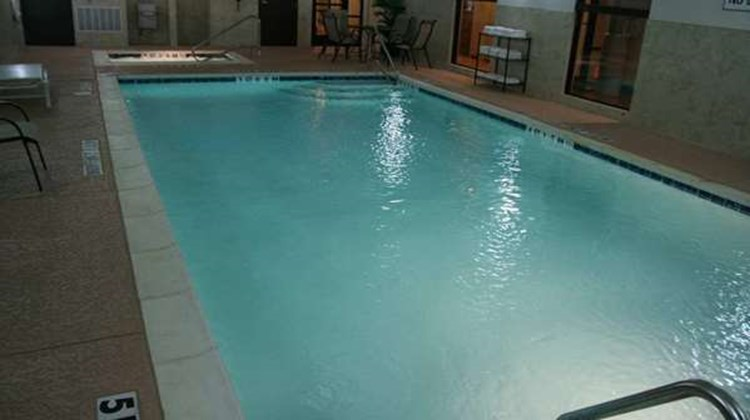 Hampton Inn & Suites Forest Hill Pool