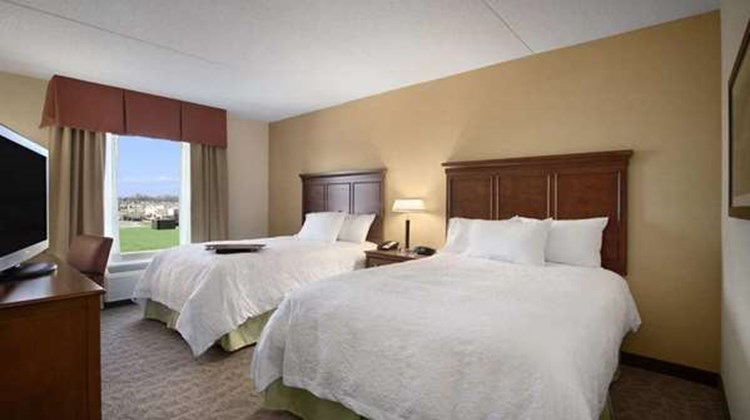 Hampton Inn & Suites - Charles Town Room