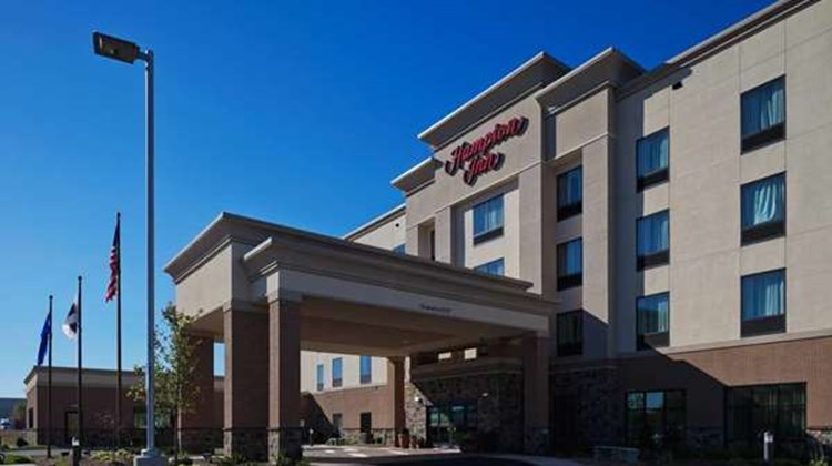 Hampton Inn Beloit Exterior