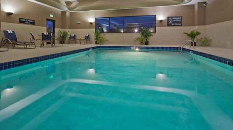 Hampton Inn Beloit Pool