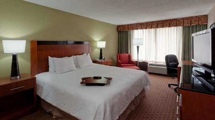 Hampton Inn Manassas Room