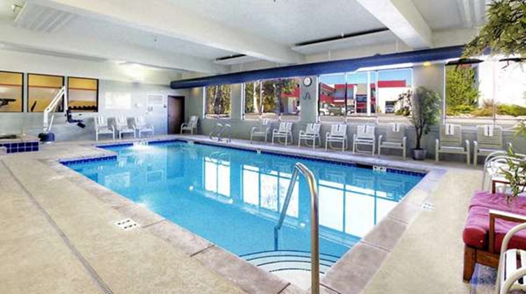 Hampton Inn Missoula Pool
